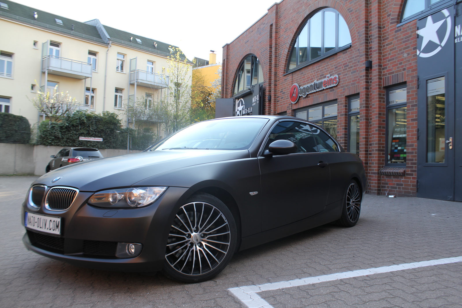 Car Wapping Auto Folierung BMW 3er Braun Matt Metallic