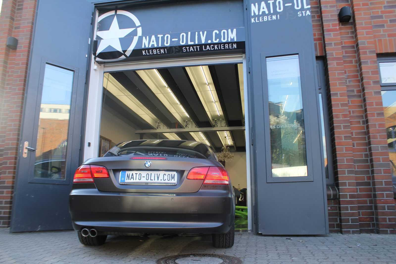 Auto Folierung Car Wapping BMW 3er Braun Matt Metallic