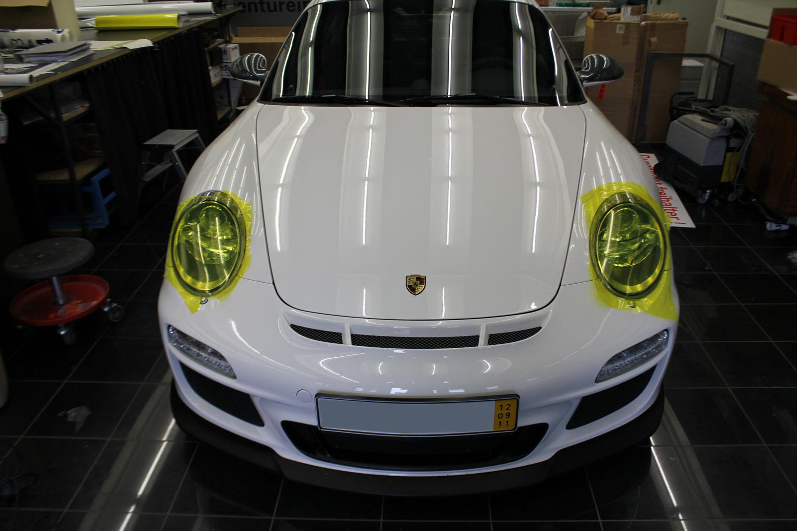 Scheinwerfer Tönung eines Porsche GT3.
