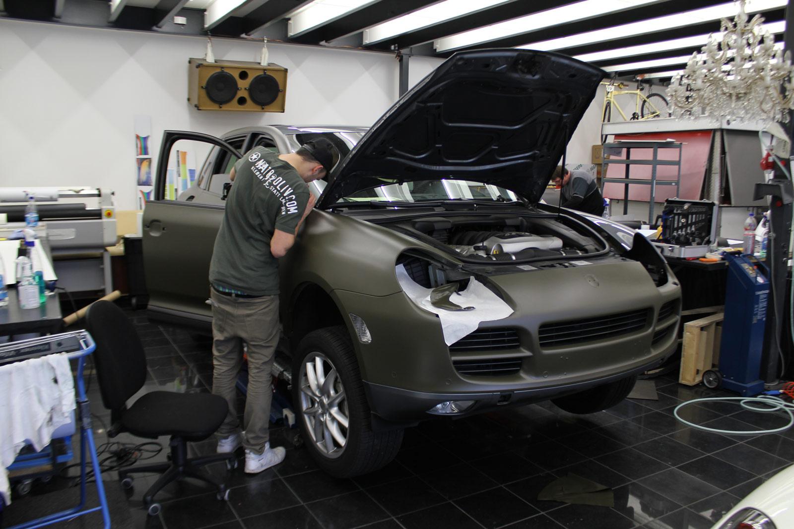 Porsche_Cayenne_Folierung_Nato-Oliv_Matt_02