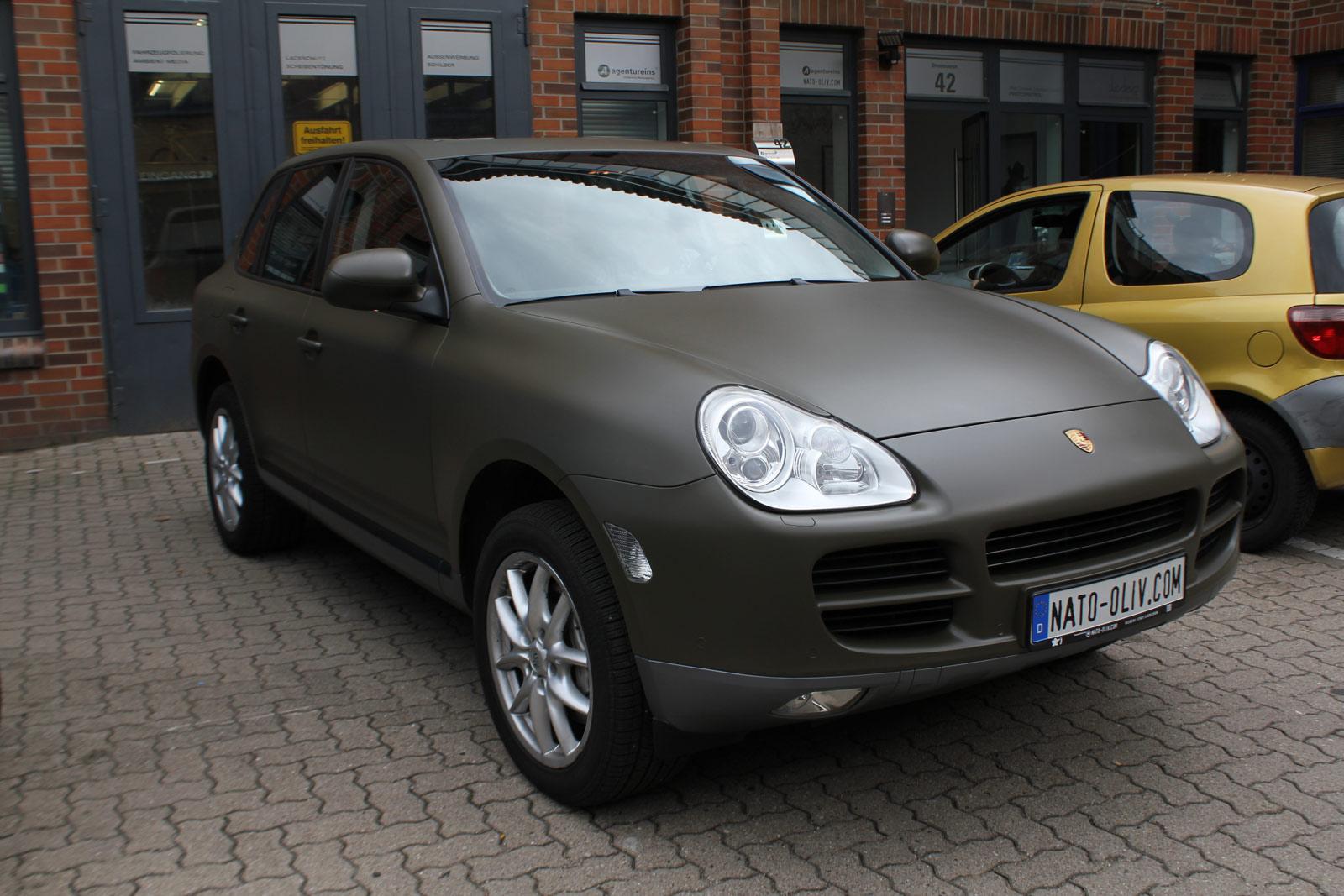 Porsche_Cayenne_Folierung_Nato-Oliv_Matt_09