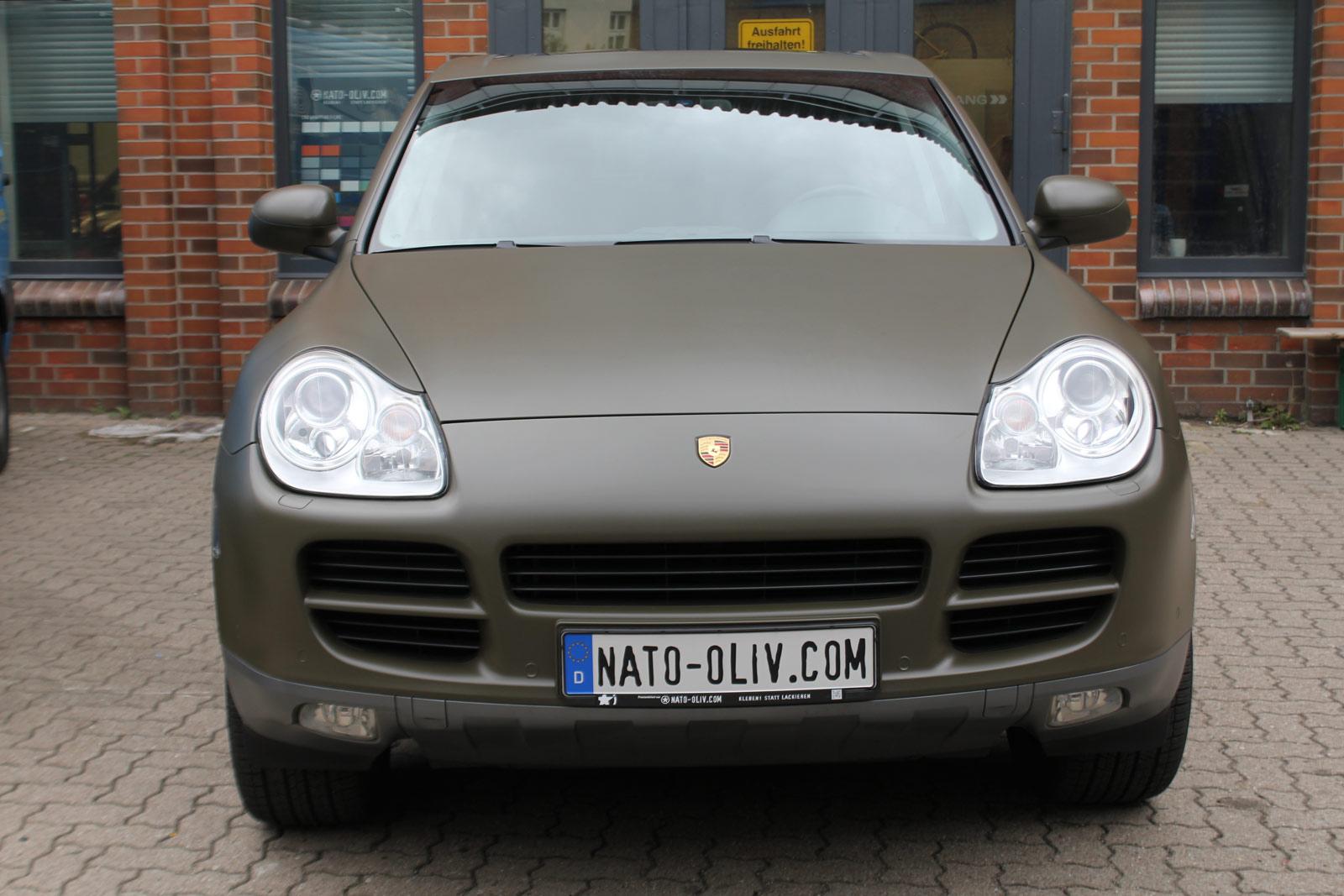 Porsche_Cayenne_Folierung_Nato-Oliv_Matt_11