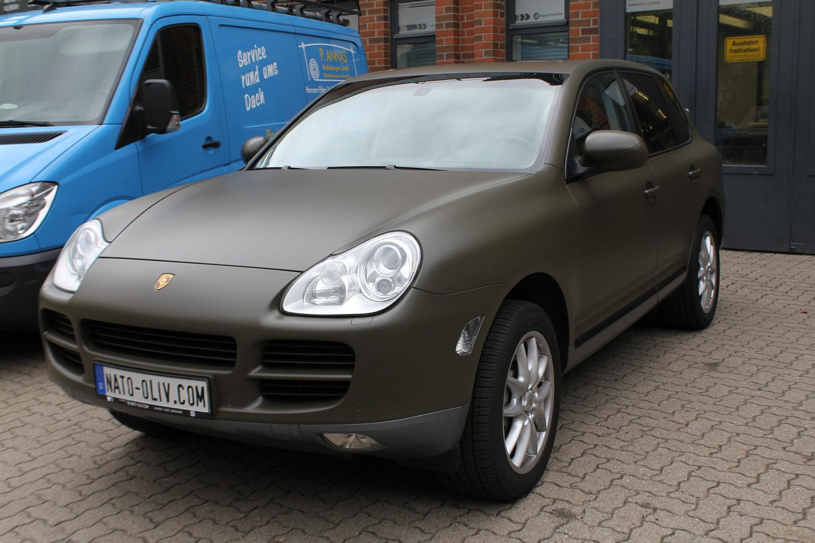 Porsche_Cayenne_Folierung_Nato-Oliv_Matt_14