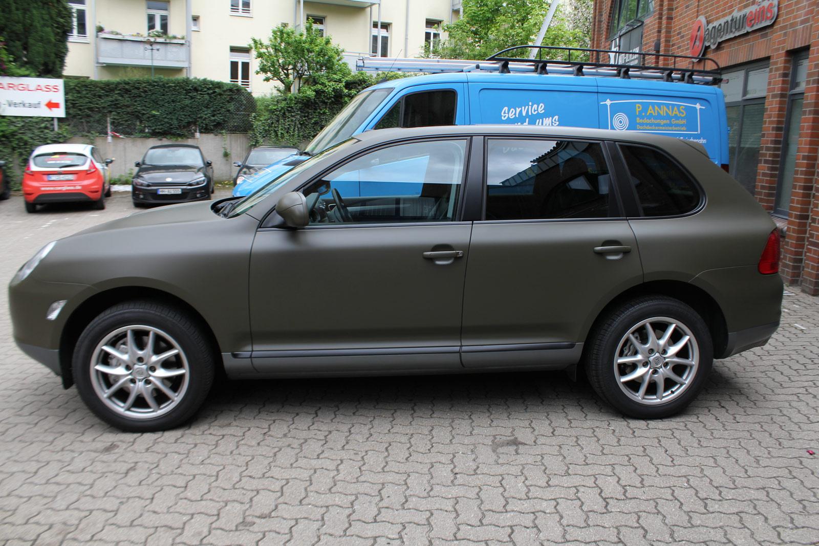 Porsche_Cayenne_Folierung_Nato-Oliv_Matt_16