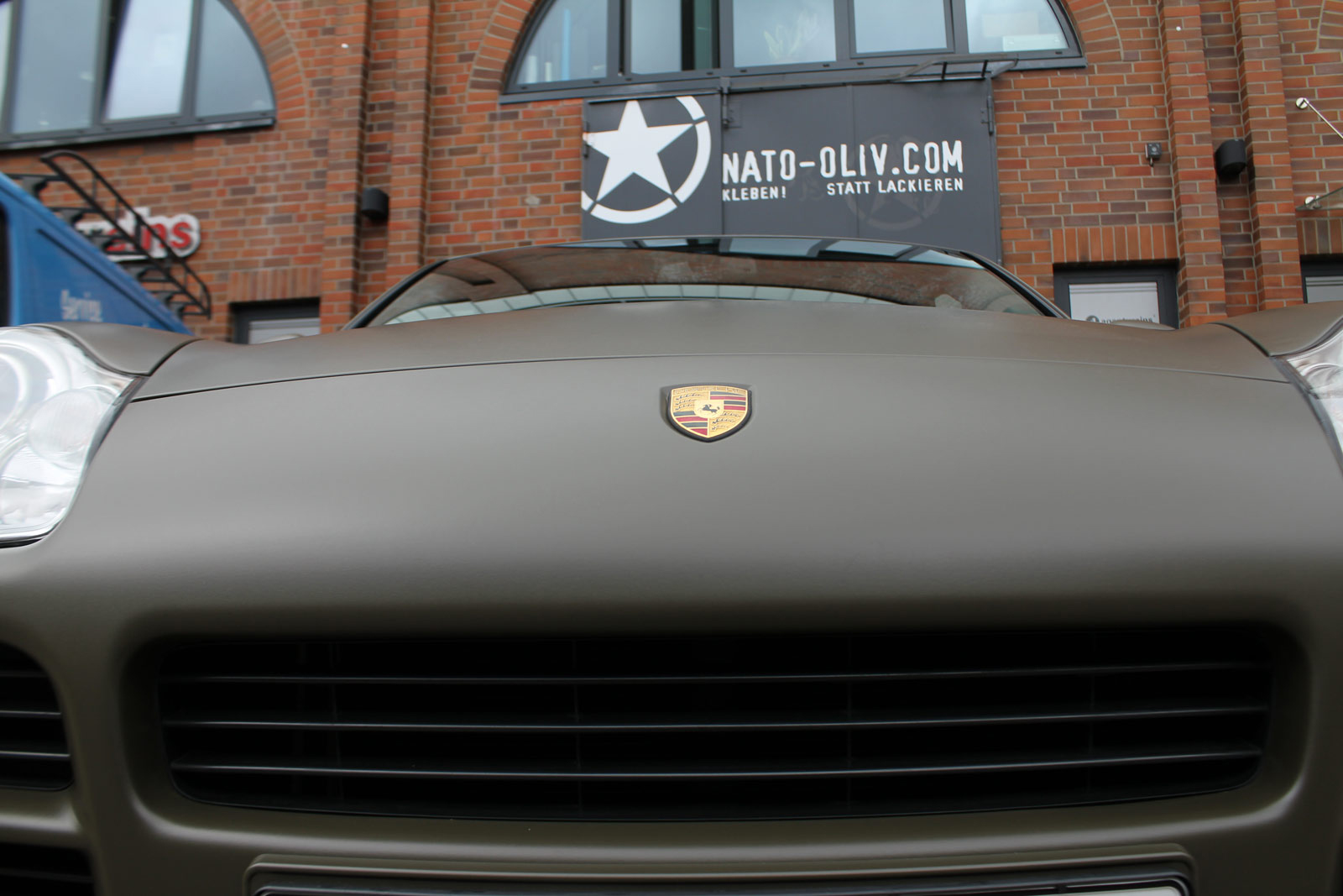 Porsche_Cayenne_Folierung_Nato-Oliv_Matt_23