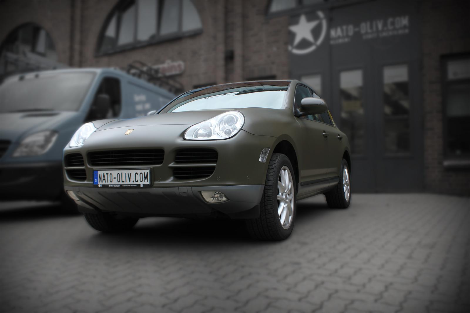 Porsche_Cayenne_Folierung_Nato-Oliv_Matt_Titelbild