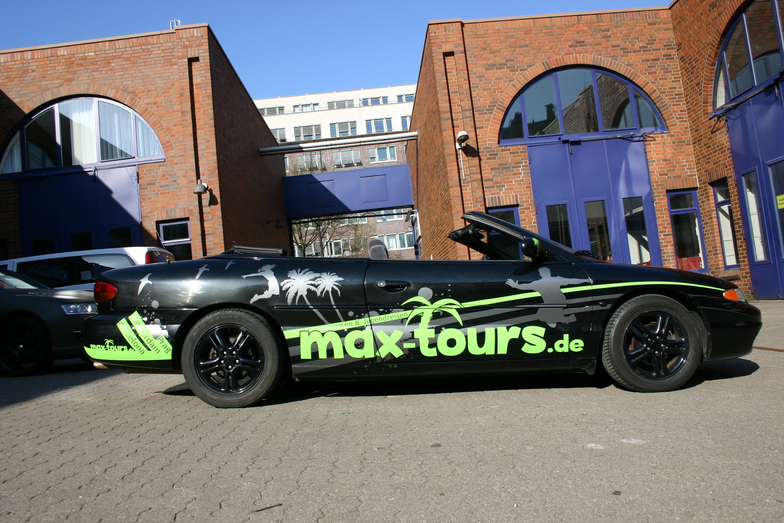 STRATUS_BEKLEBUNG_GRUEN_ANTHRAZIT_MATT_METALLIC_MAX-TOURS_18