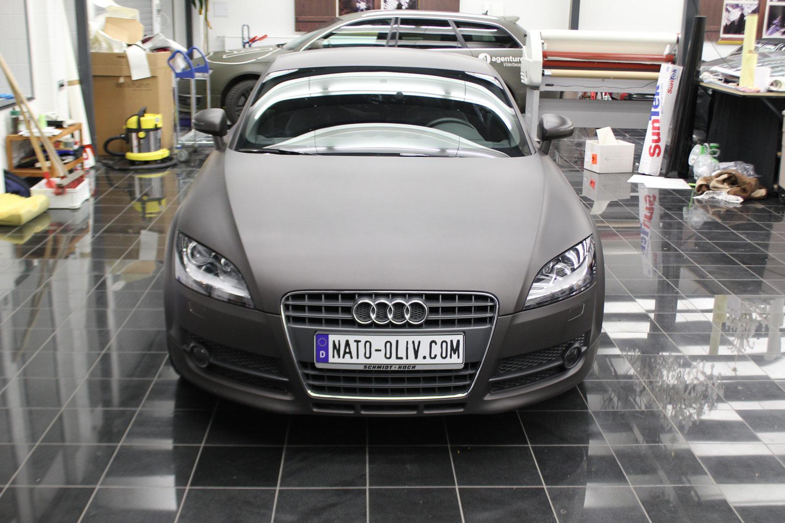 Audi_TT_Braun_Matt_Metallic_Branding_02