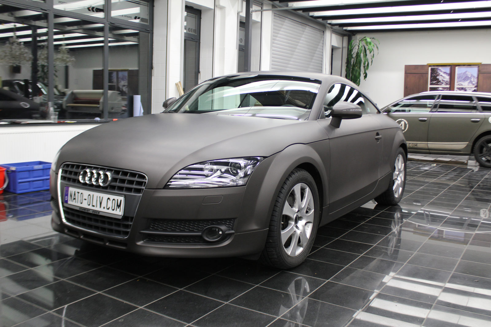 Audi_TT_Braun_Matt_Metallic_Branding_04