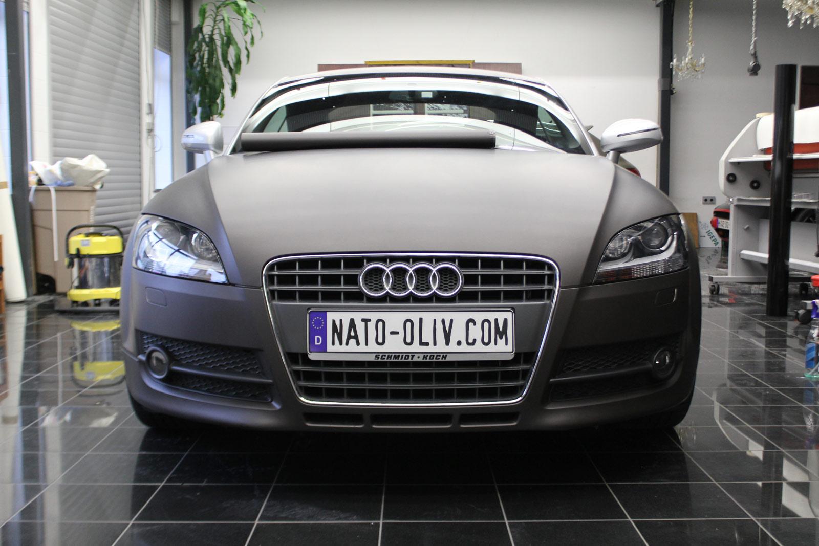 Audi_TT_Braun_Matt_Metallic_Branding_05