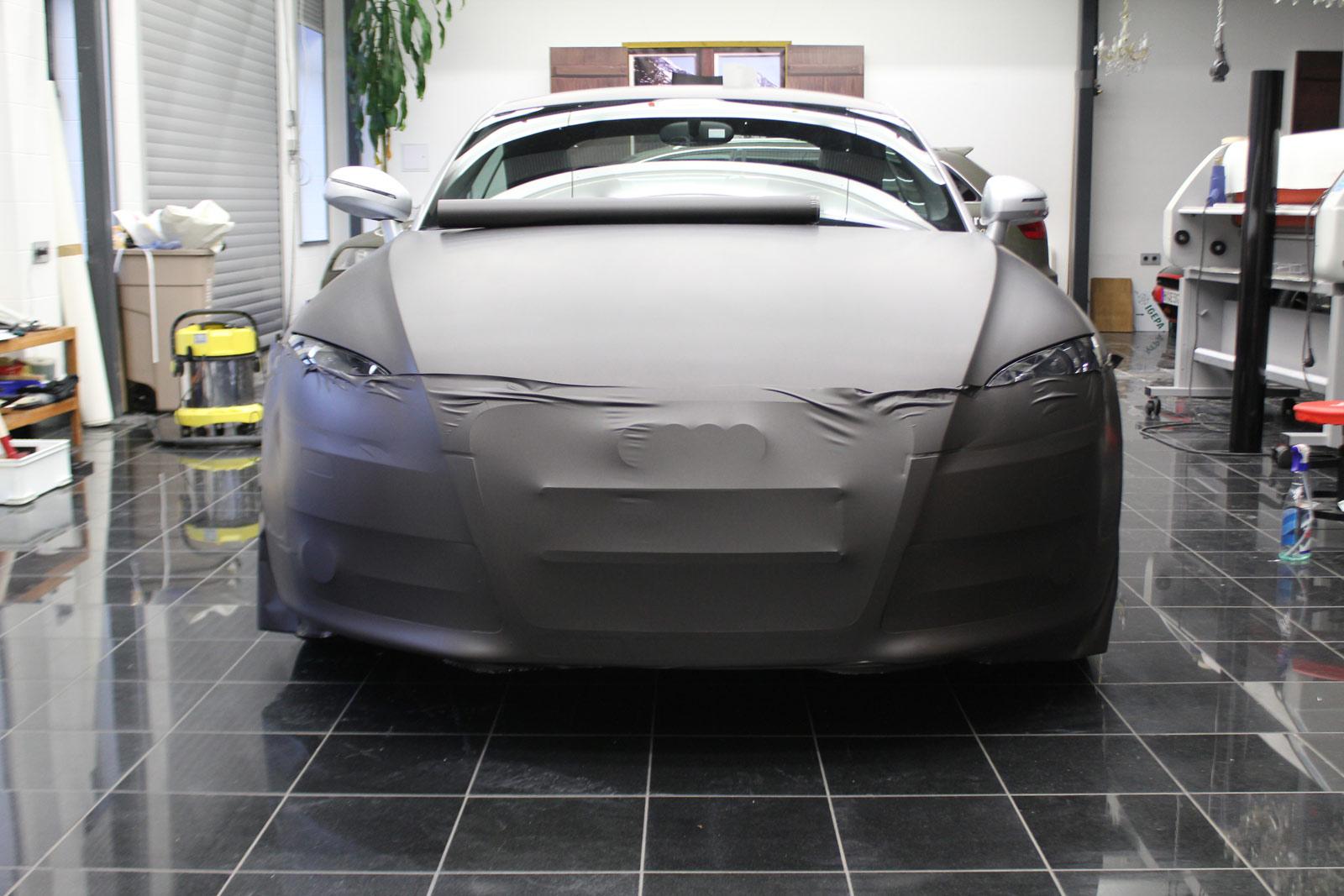 Audi_TT_Braun_Matt_Metallic_Branding_12