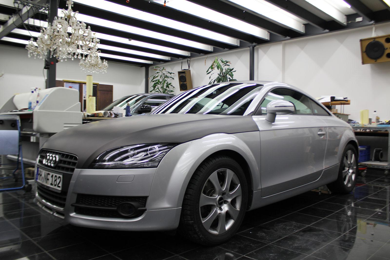 Audi_TT_Braun_Matt_Metallic_Branding_19