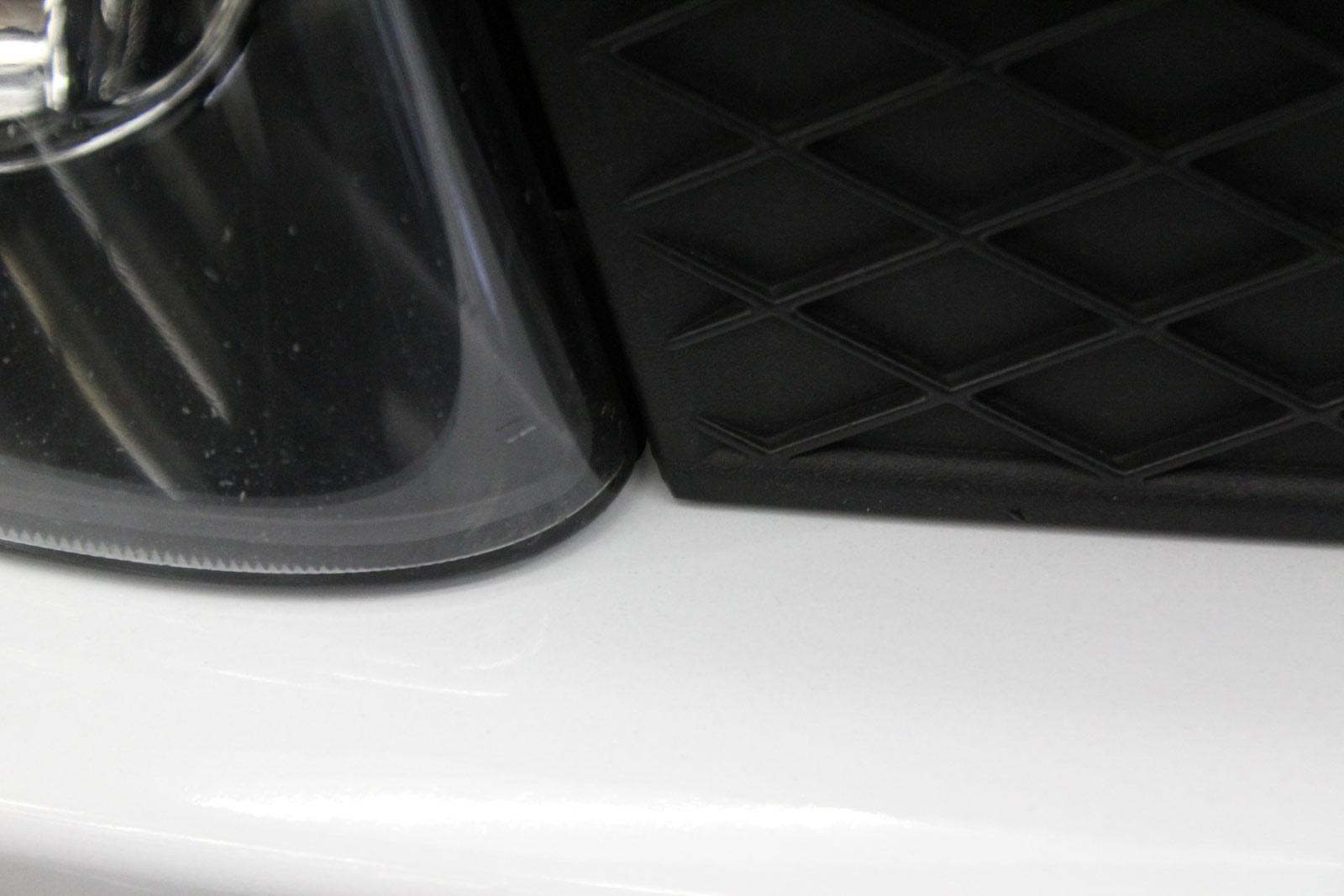 BMW_7er_Folierung_Weiss_Metallic_Schwarz_Glanz_03
