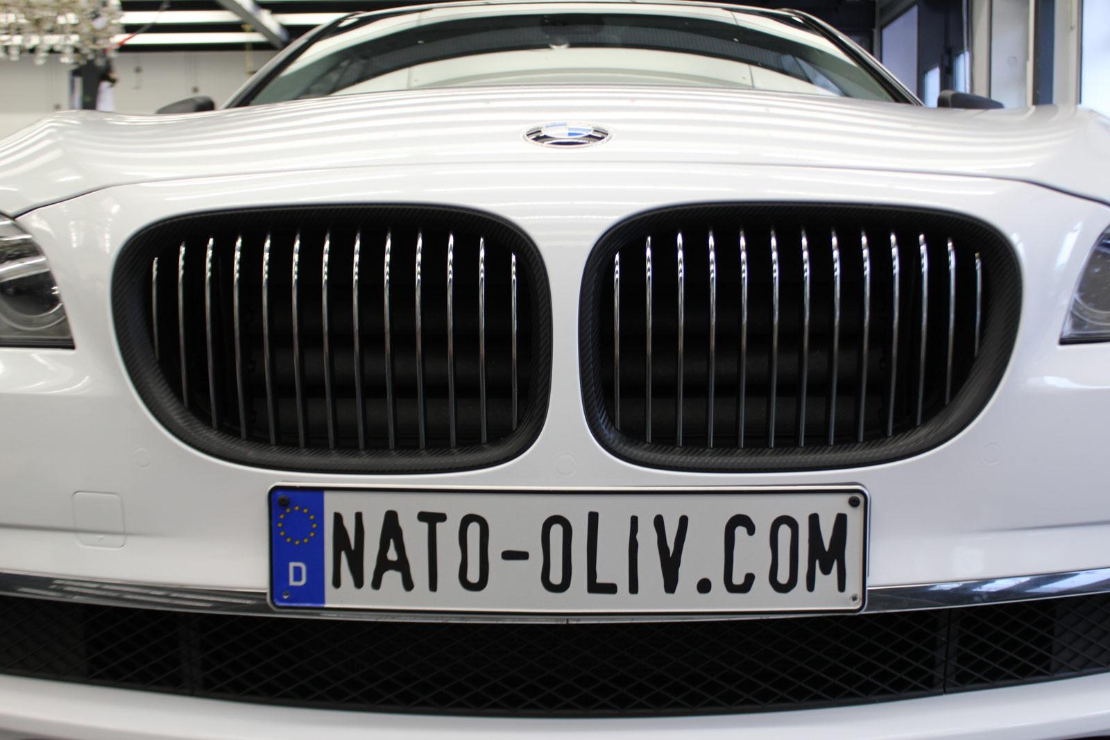 BMW_7er_Folierung_Weiss_Metallic_Schwarz_Glanz_21