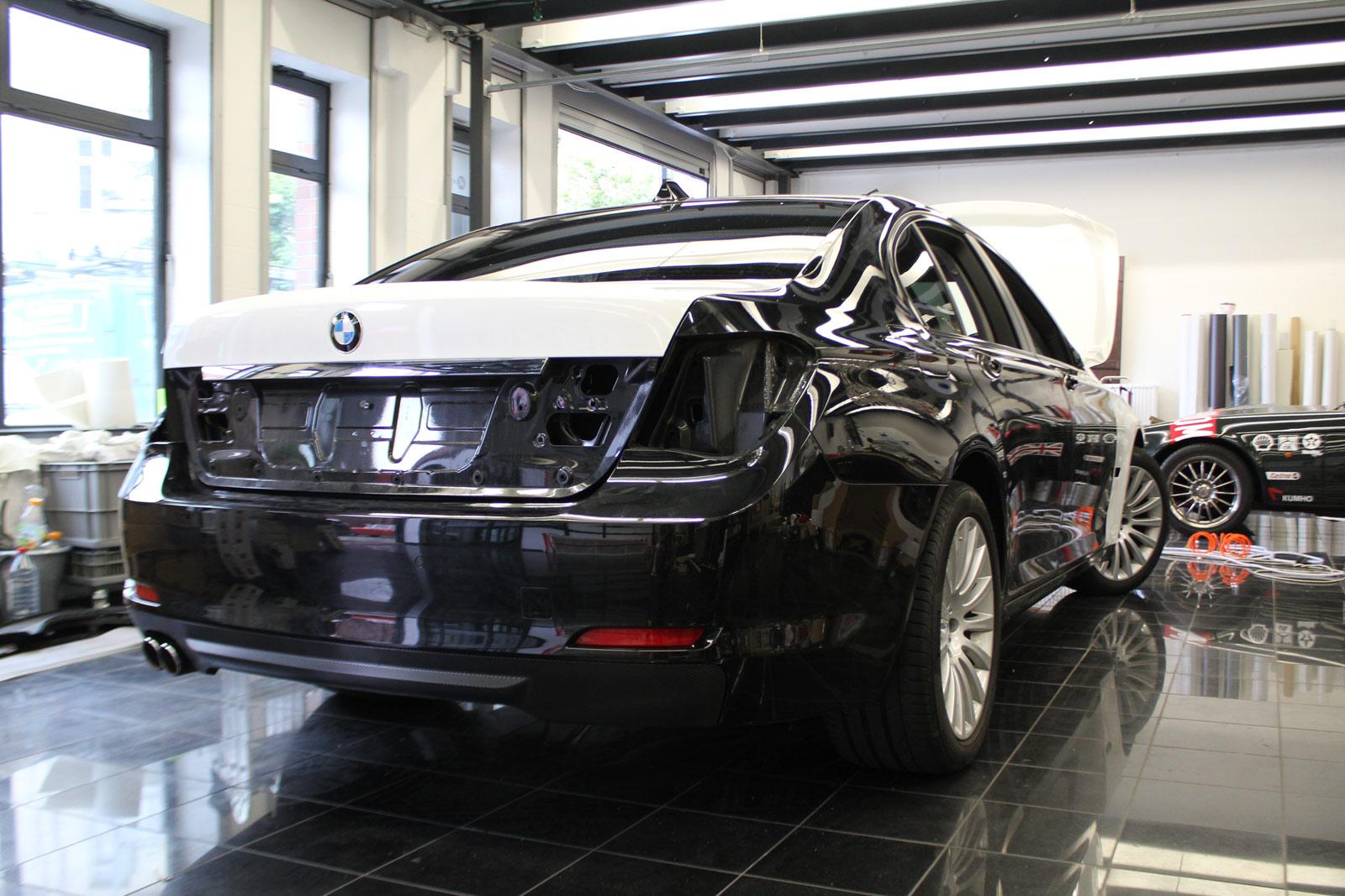 BMW_7er_Folierung_Weiss_Metallic_Schwarz_Glanz_27