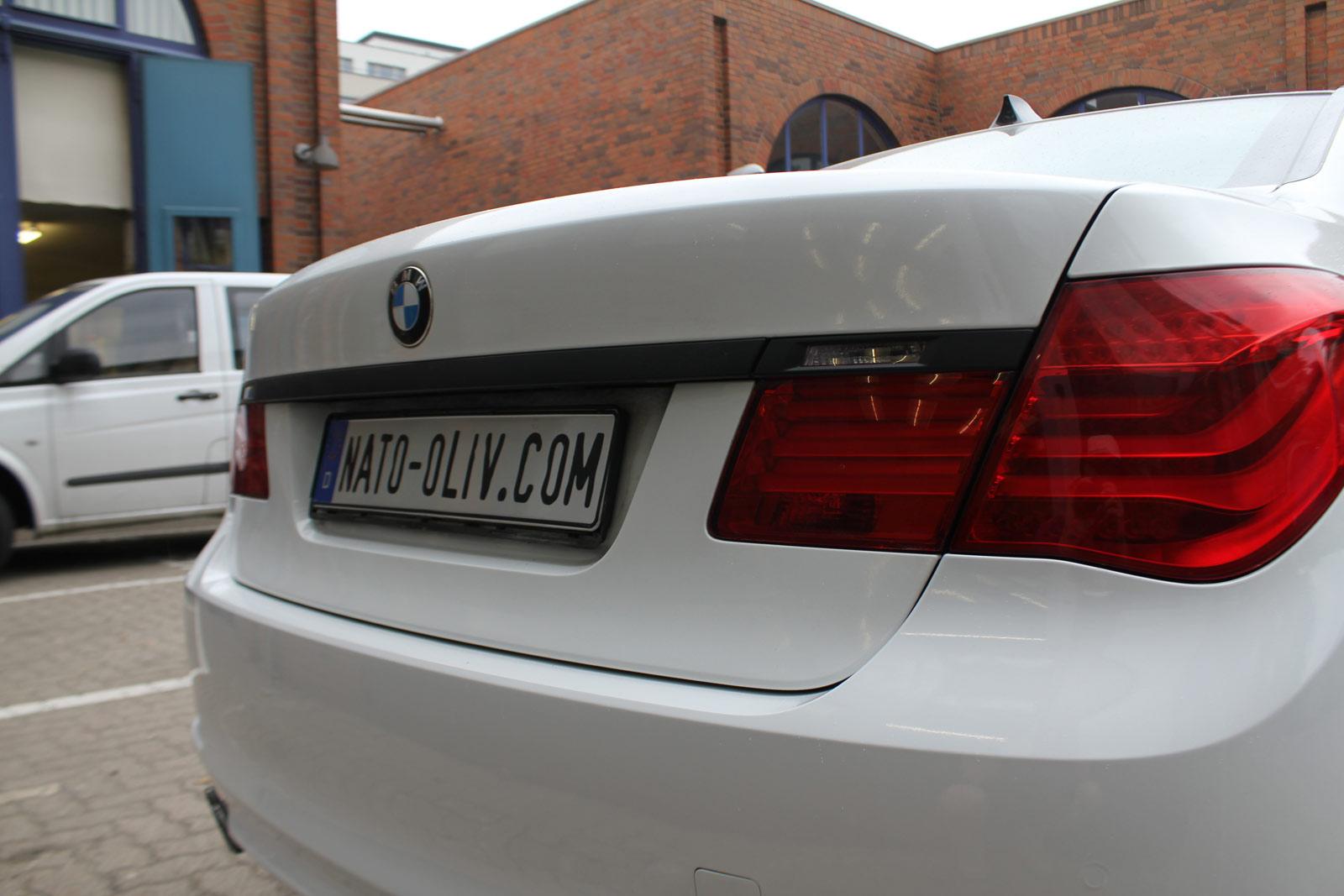 BMW_7er_WEISS_GLANZ_FELGEN_FOLIERUNG_SCHWARZ_MATT_13