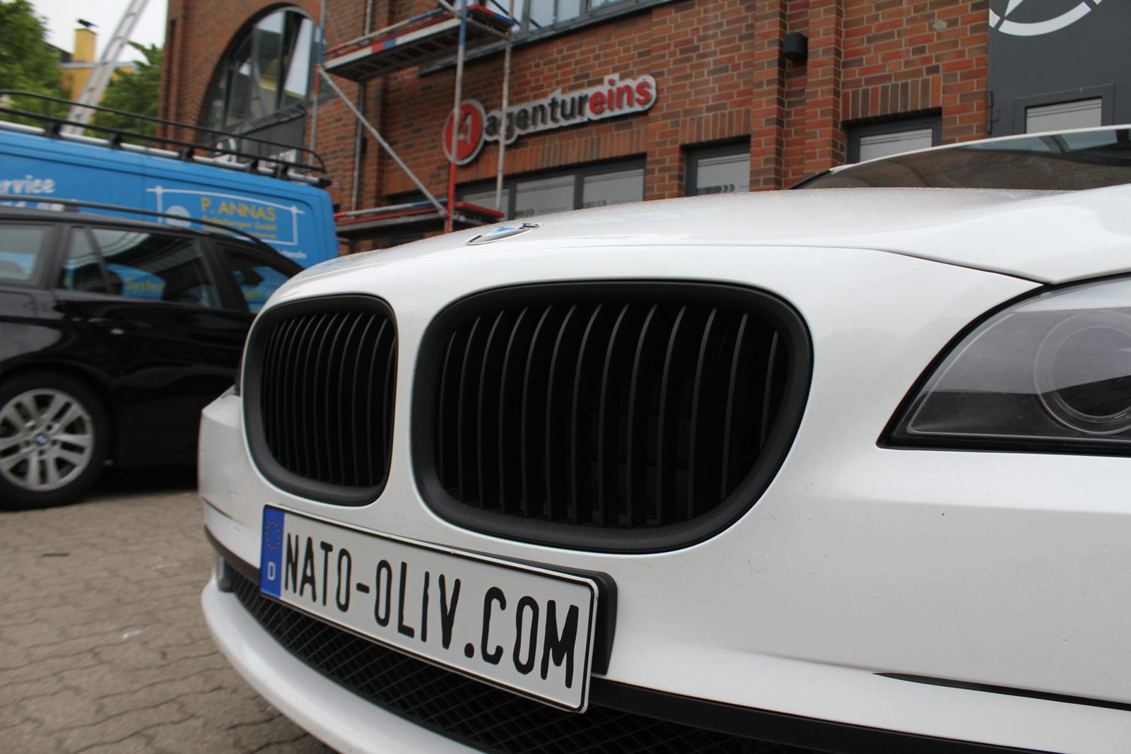 BMW_7er_WEISS_GLANZ_FELGEN_FOLIERUNG_SCHWARZ_MATT_19