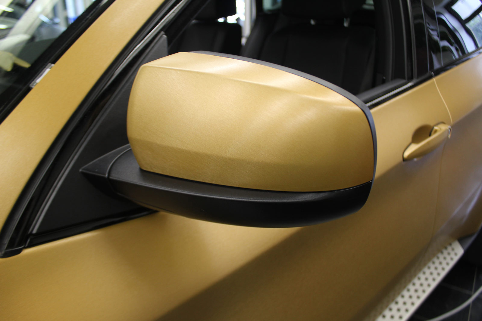 BMW_X6_VERKLEBUNG_BRUSHED_GOLD_47