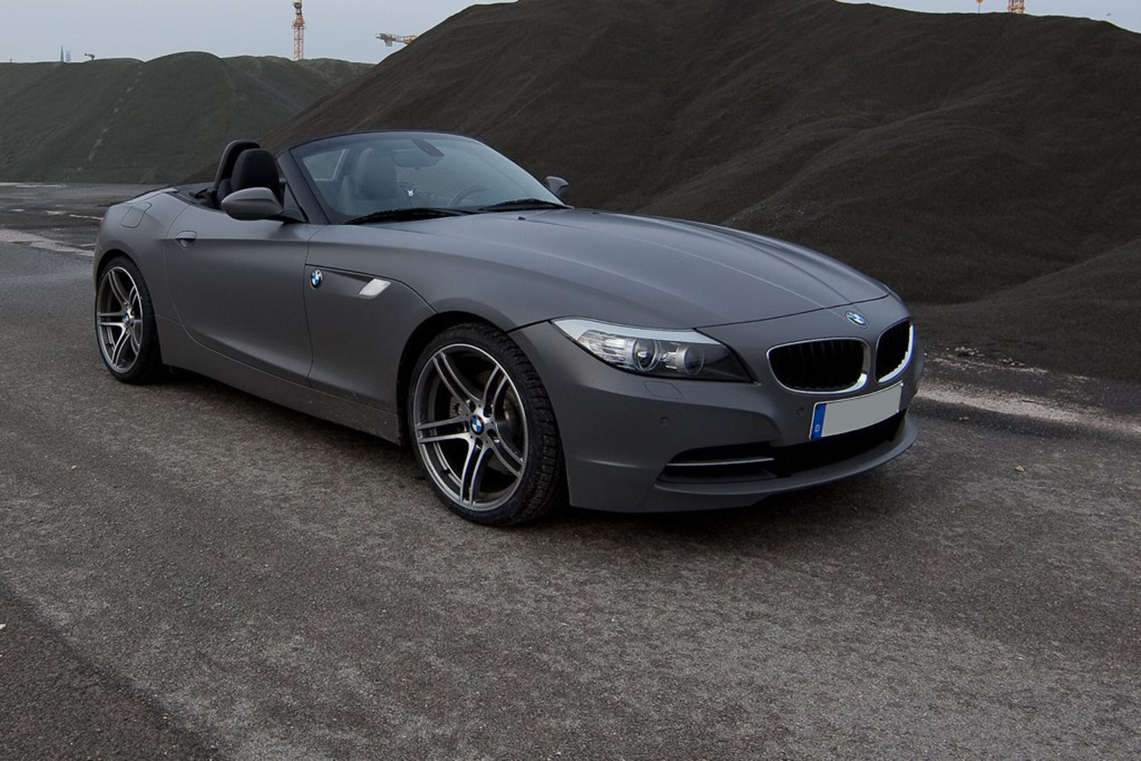 Bmw Z4 In Grau Matt Nato Oliv Com