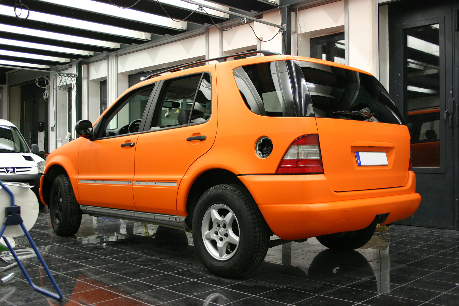 MERCEDES_ML_FOLIERUNG_ORANGE_MATT_03