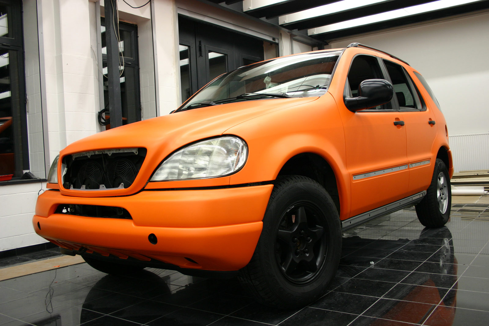 MERCEDES_ML_FOLIERUNG_ORANGE_MATT_04