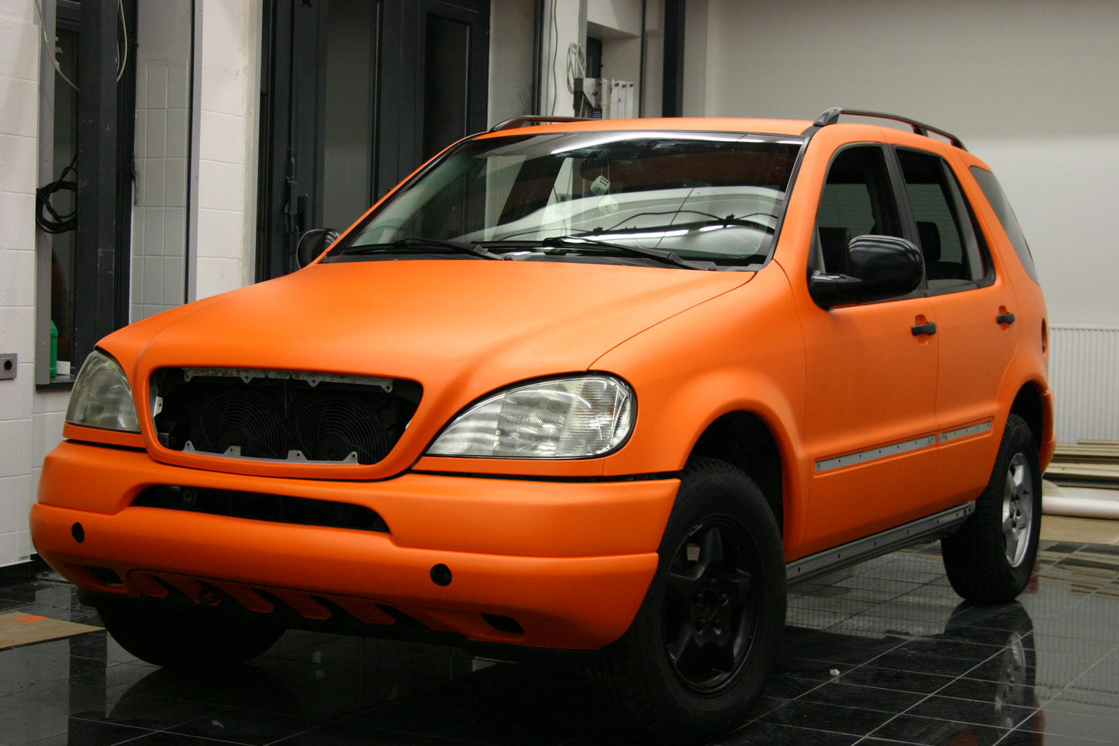 MERCEDES_ML_FOLIERUNG_ORANGE_MATT_05