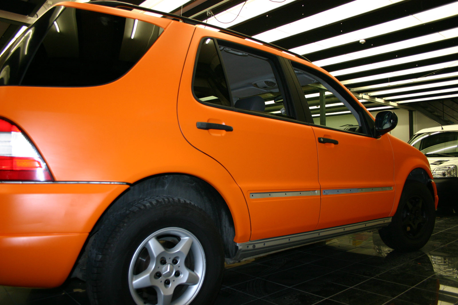 MERCEDES_ML_FOLIERUNG_ORANGE_MATT_09