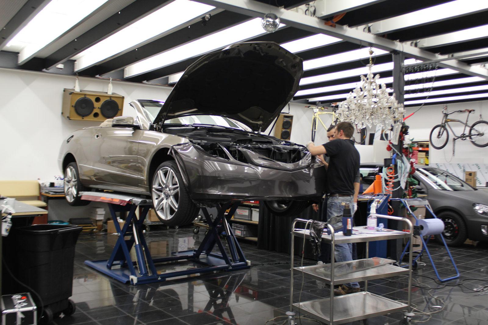 Mercedes_E-Klasse_Cabrio_Folierung_Stannitgrau_Metallic_Glanz_04