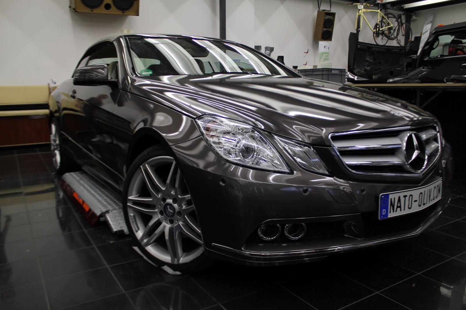 Mercedes_E-Klasse_Cabrio_Folierung_Stannitgrau_Metallic_Glanz_26