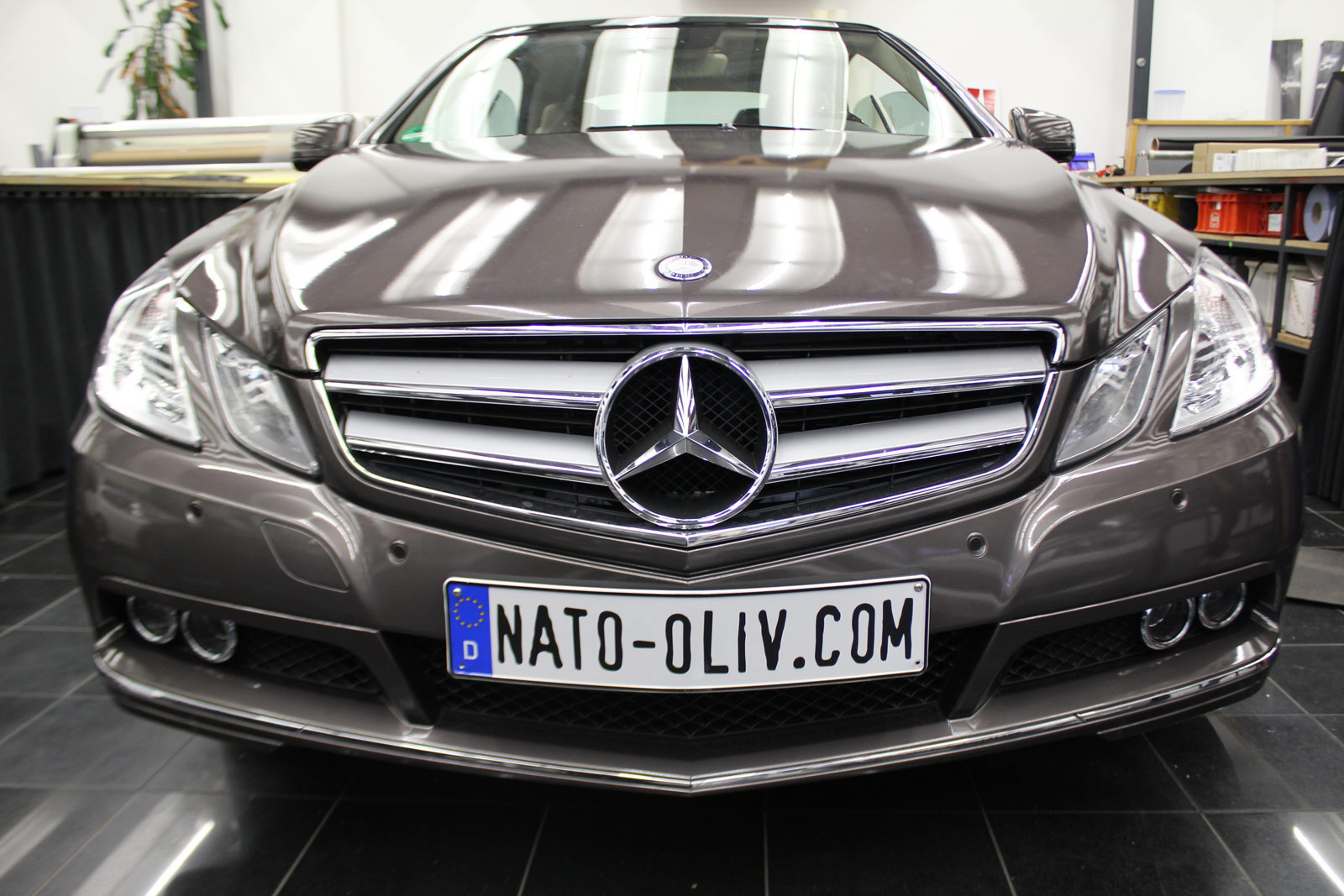 Mercedes_E-Klasse_Cabrio_Folierung_Stannitgrau_Metallic_Glanz_28