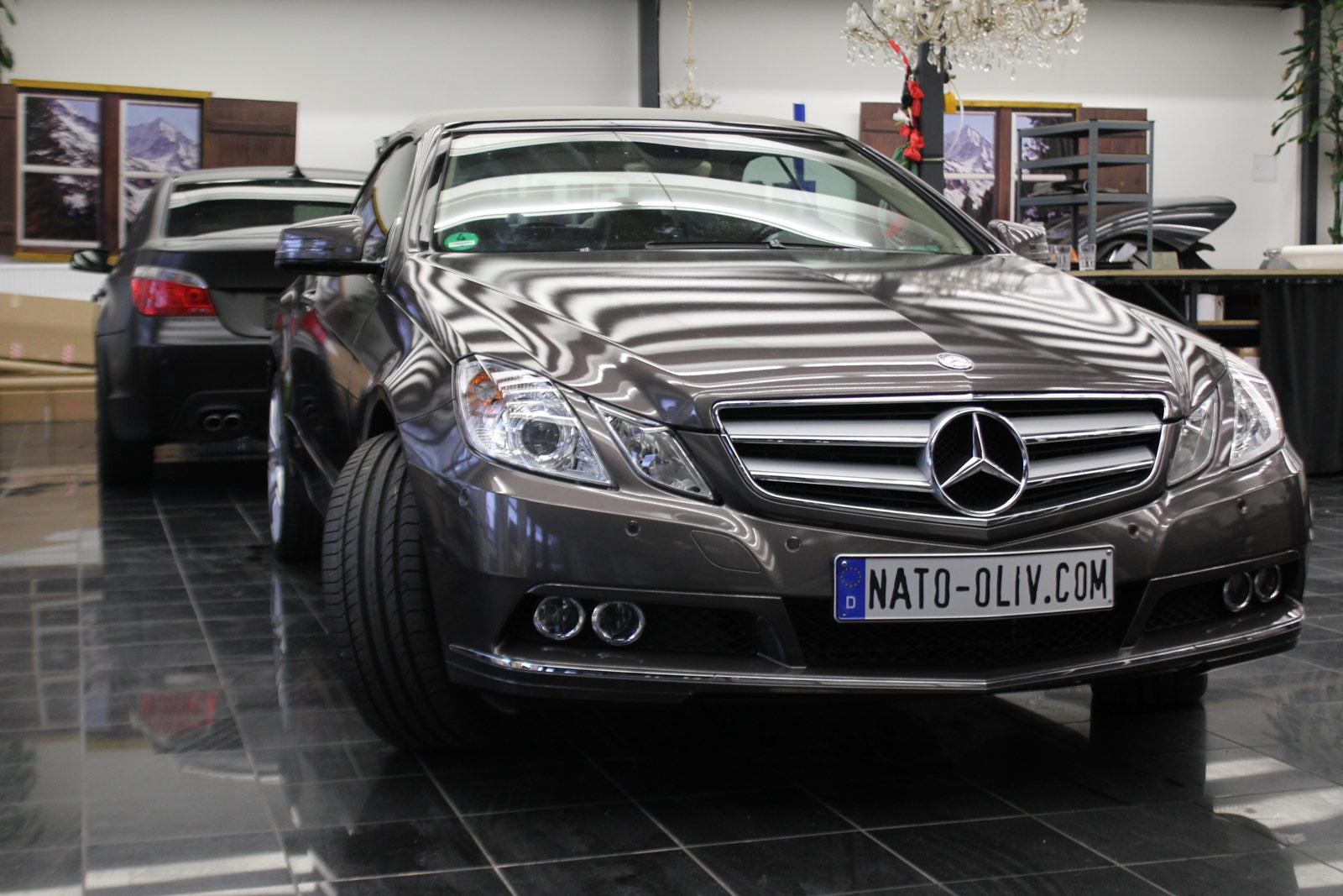 Mercedes_E-Klasse_Cabrio_Folierung_Stannitgrau_Metallic_Glanz_53