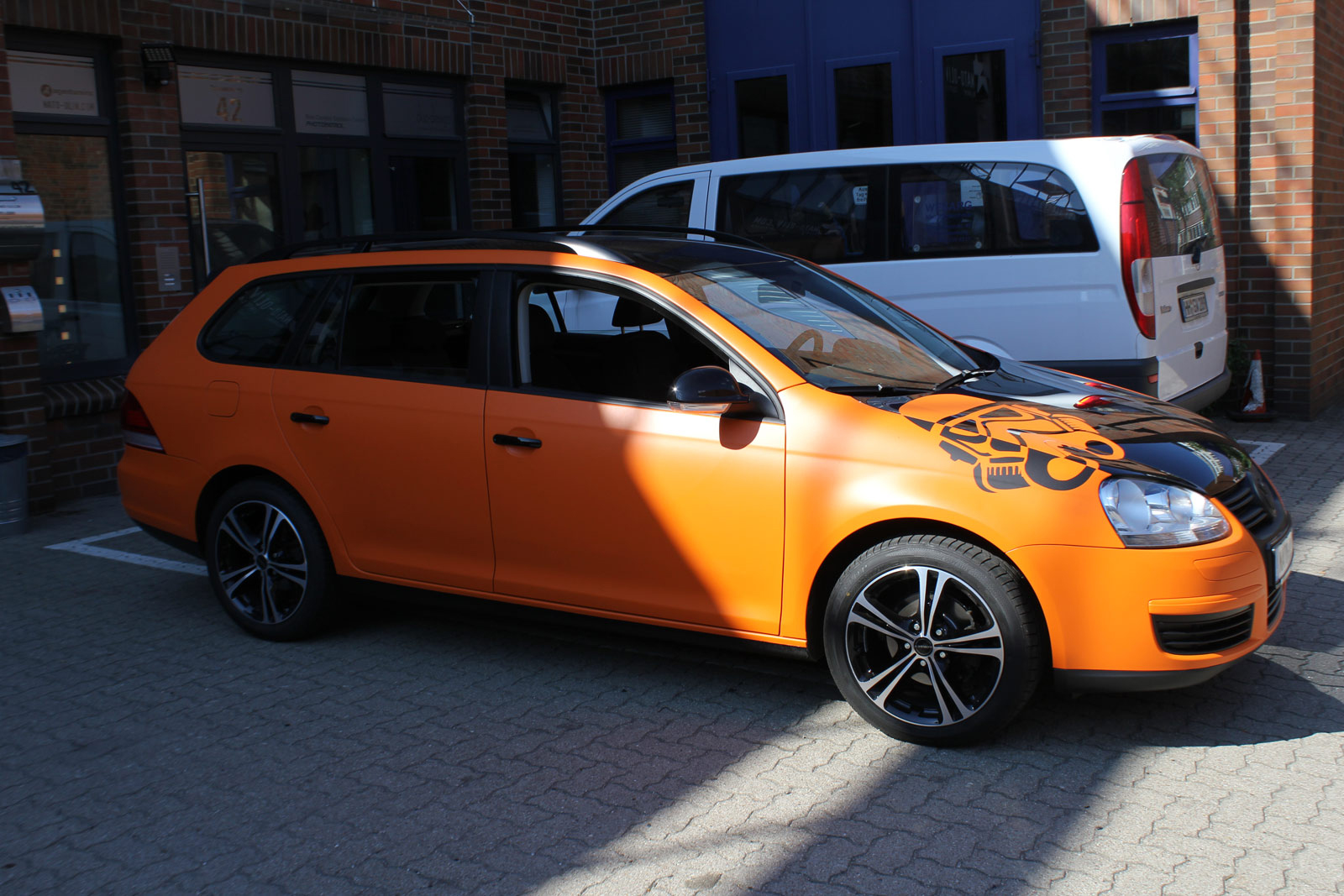 VW_Golf5_Variant_Folierung_Orange_Matt_08