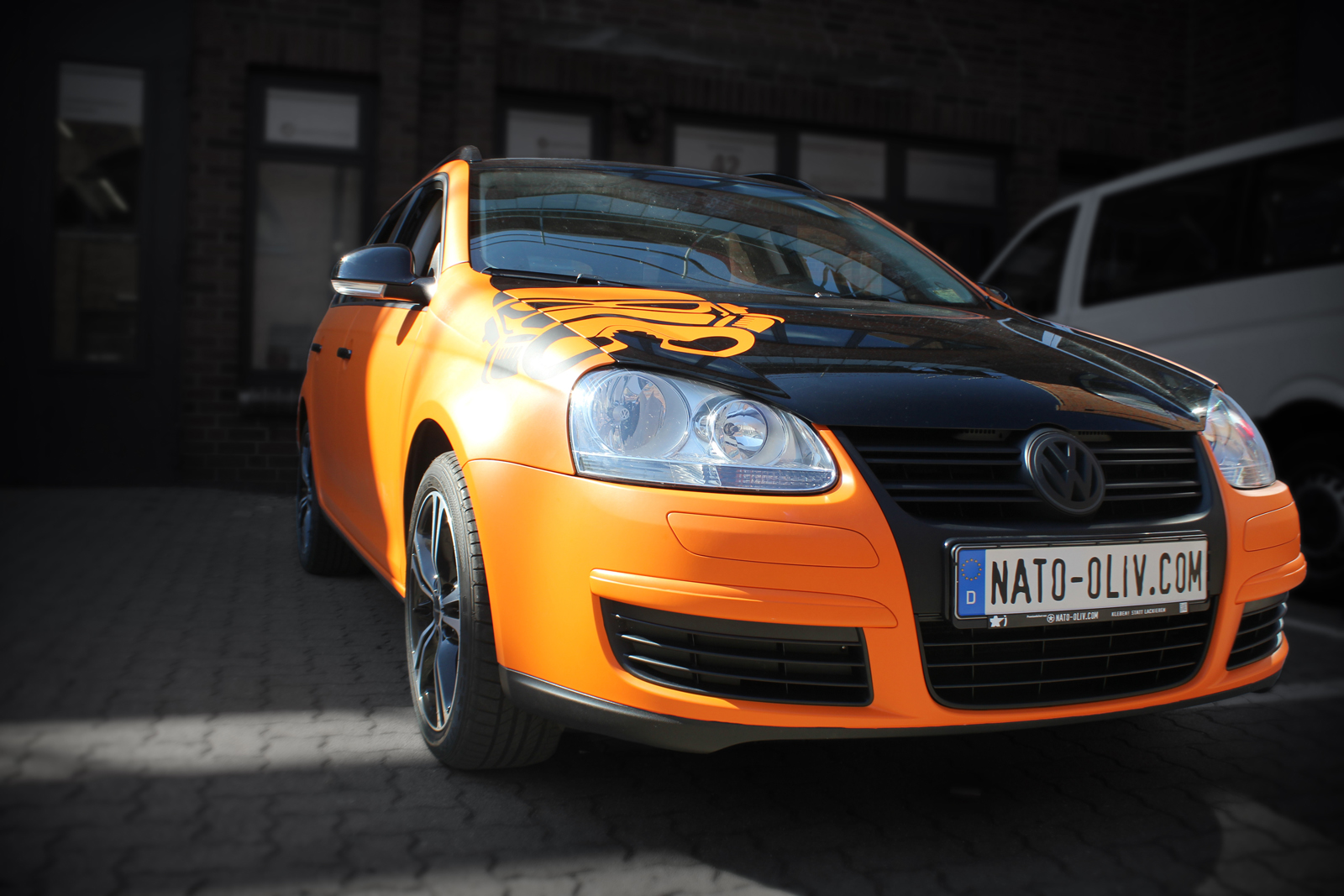 VW_Golf5_Variant_Folierung_Orange_Matt_Titelbild_02