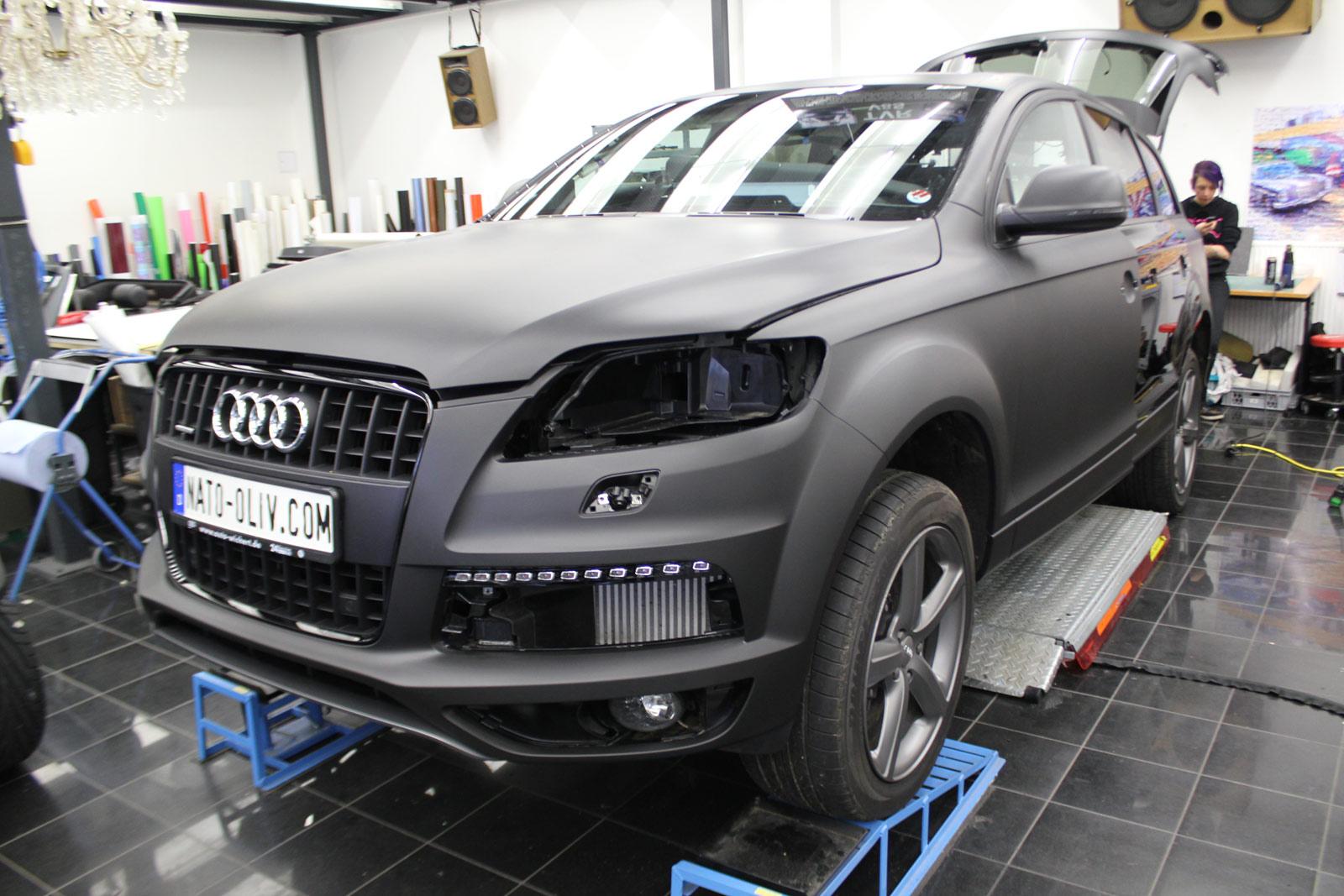 Audi_Q7_Folienbeklebung_Schwarz_Ultramatt_02