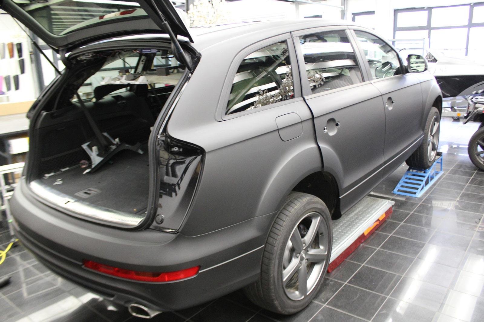 Audi_Q7_Folienbeklebung_Schwarz_Ultramatt_04