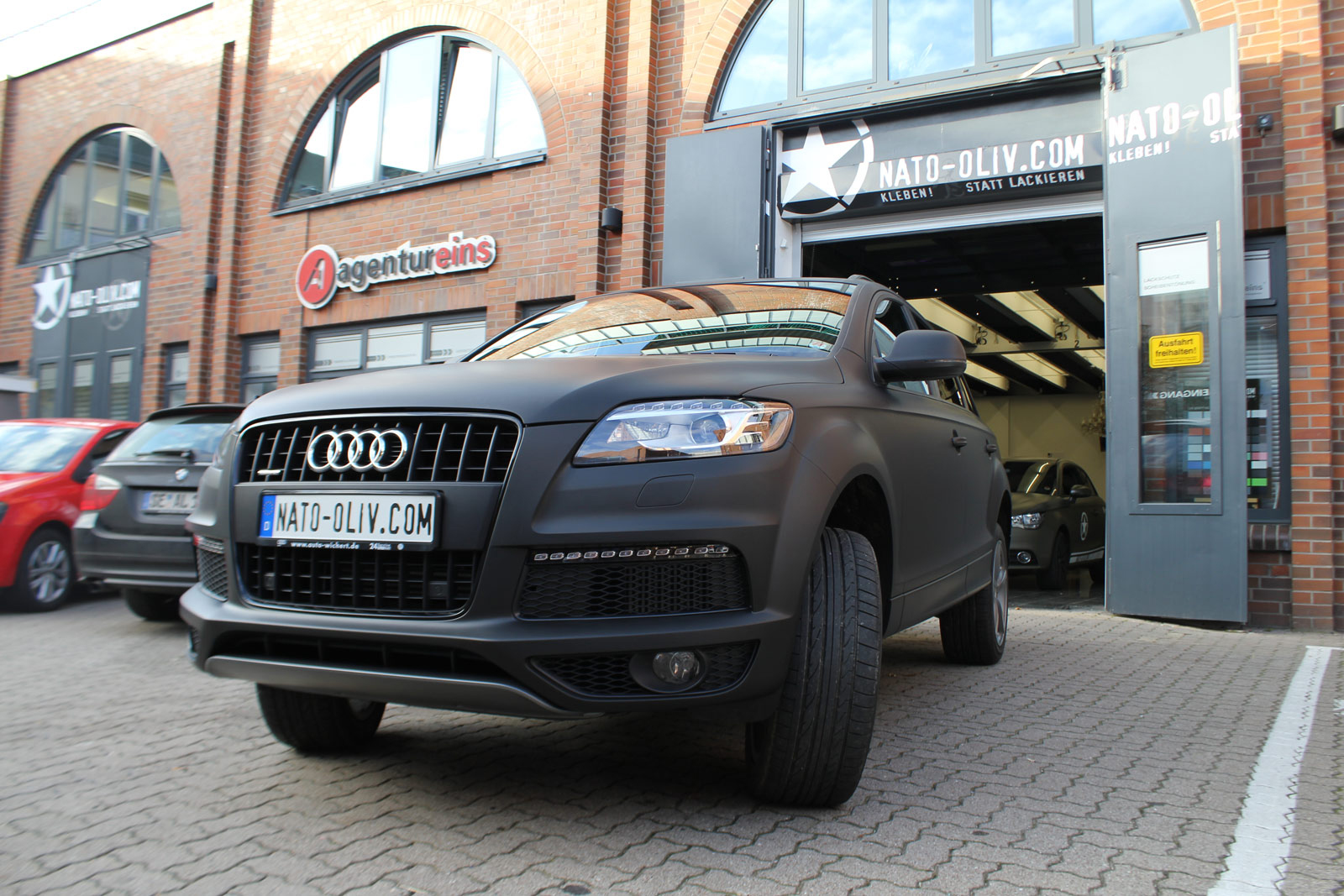 Audi_Q7_Folienbeklebung_Schwarz_Ultramatt_17