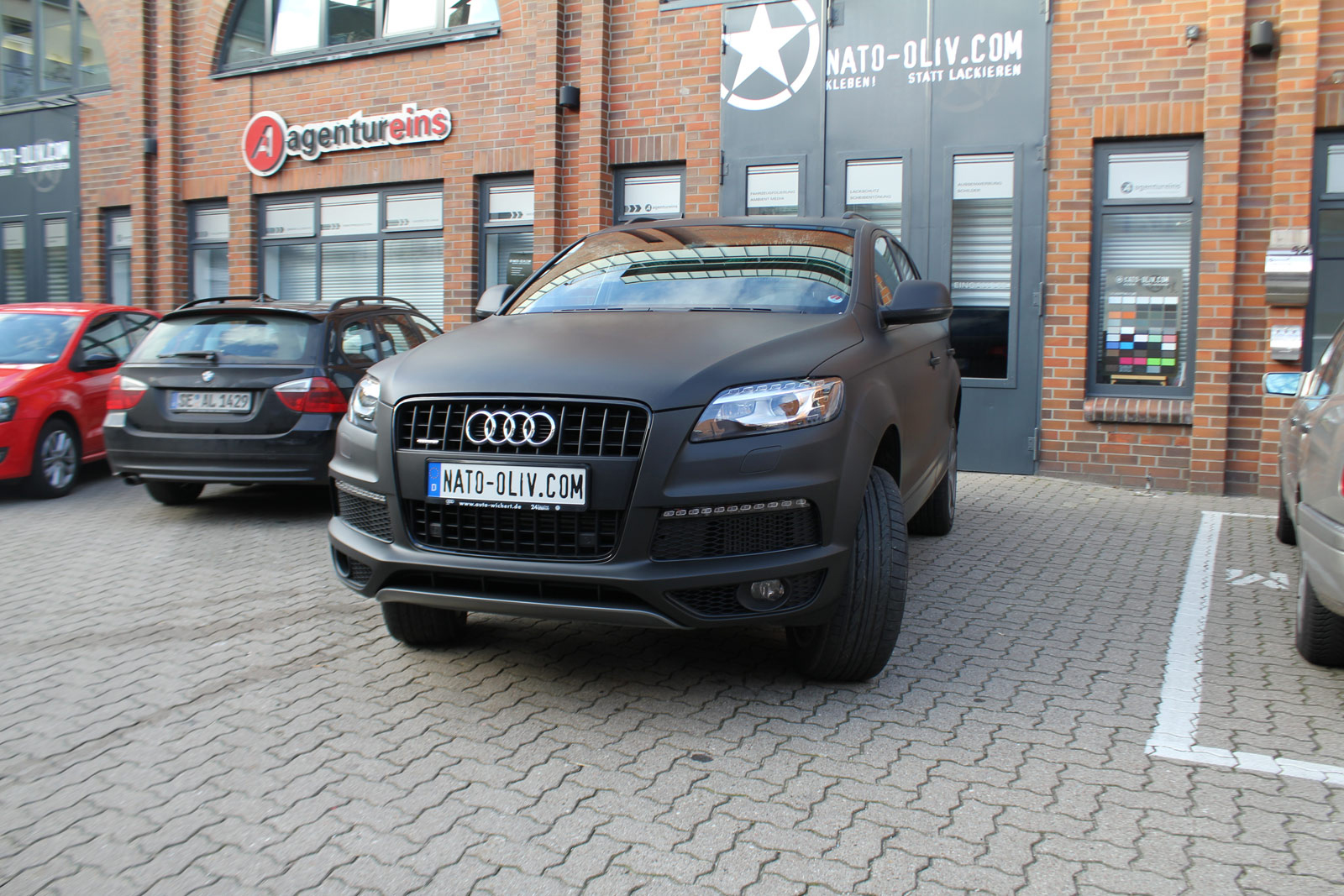 Audi_Q7_Folienbeklebung_Schwarz_Ultramatt_32