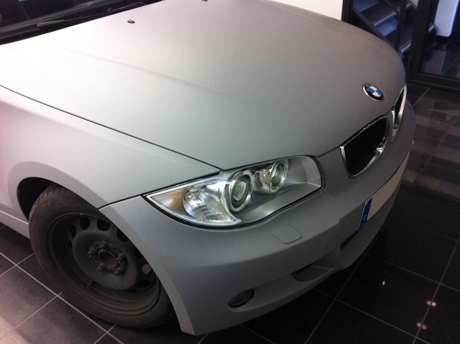 BMW_1er_GRAU_MATTE_FOLIE_BEKLEBT_01