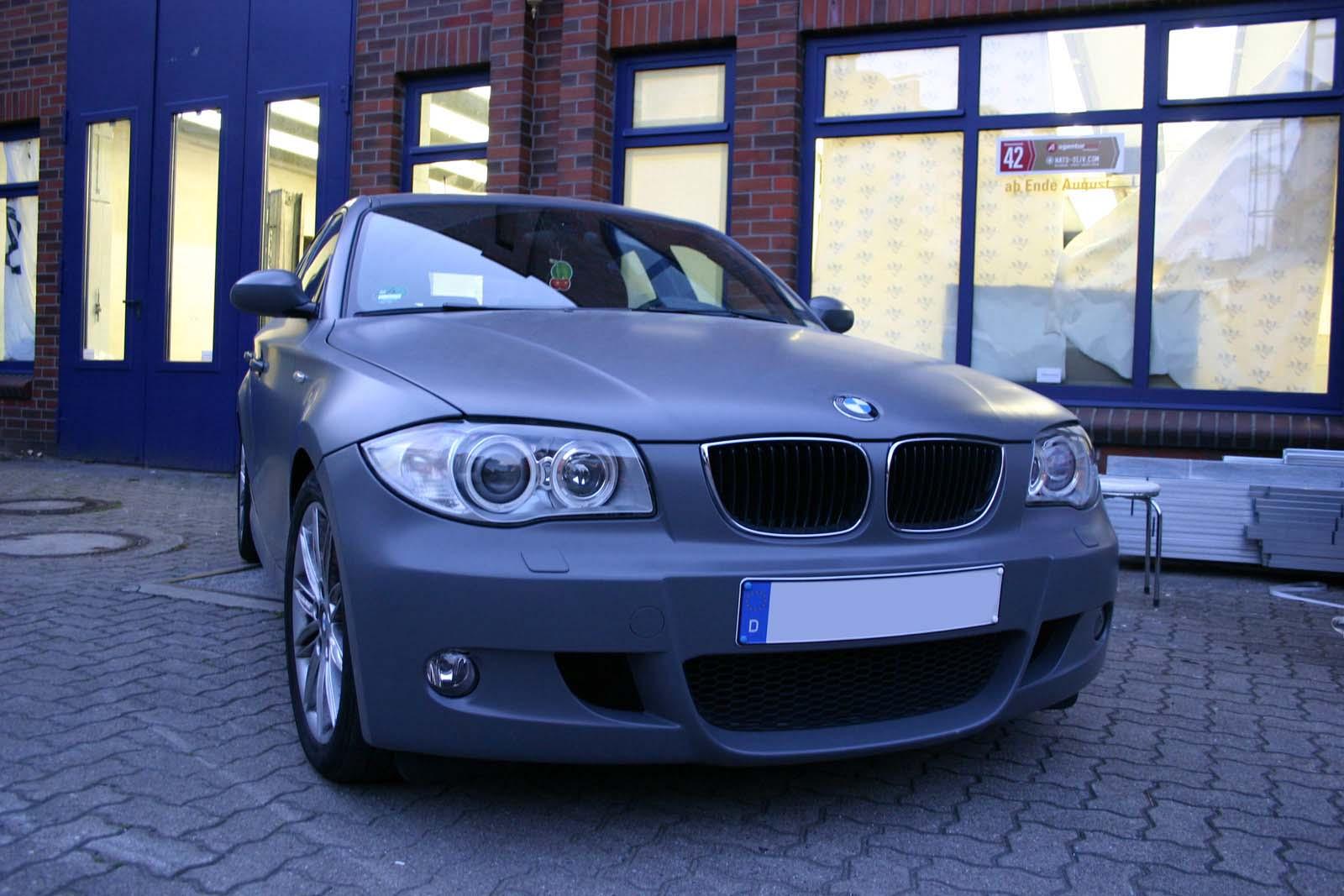 BMW_1er_GRAU_MATTE_FOLIE_BEKLEBT_03