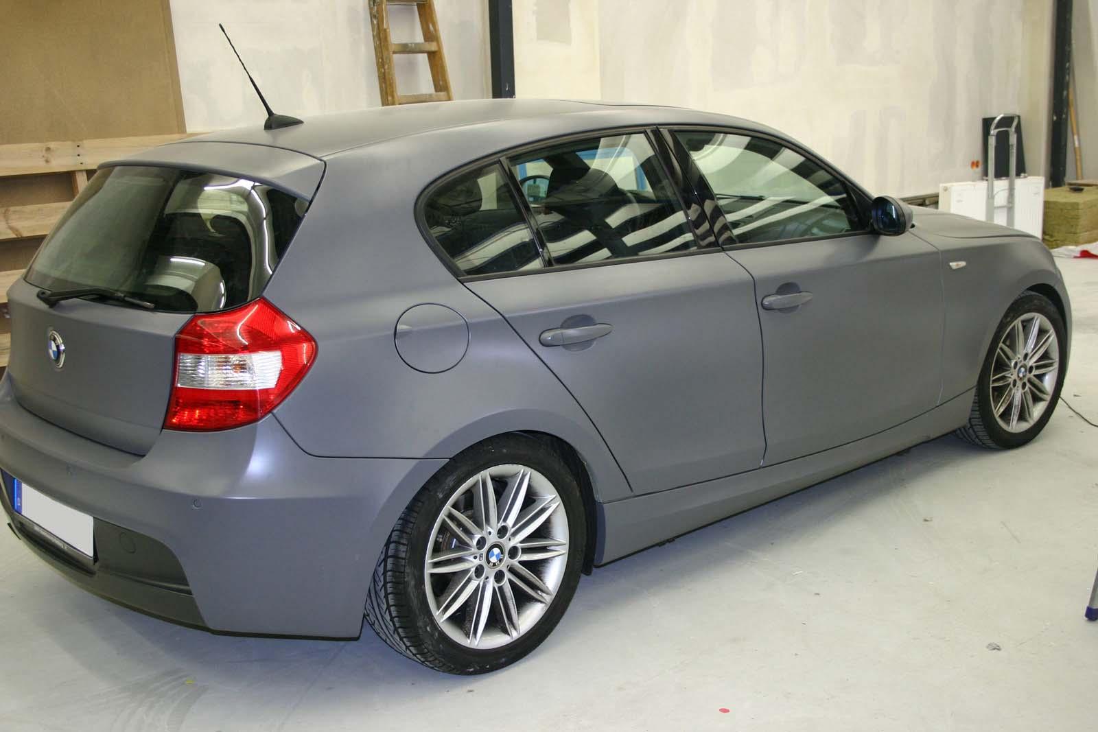 BMW_1er_GRAU_MATTE_FOLIE_BEKLEBT_05