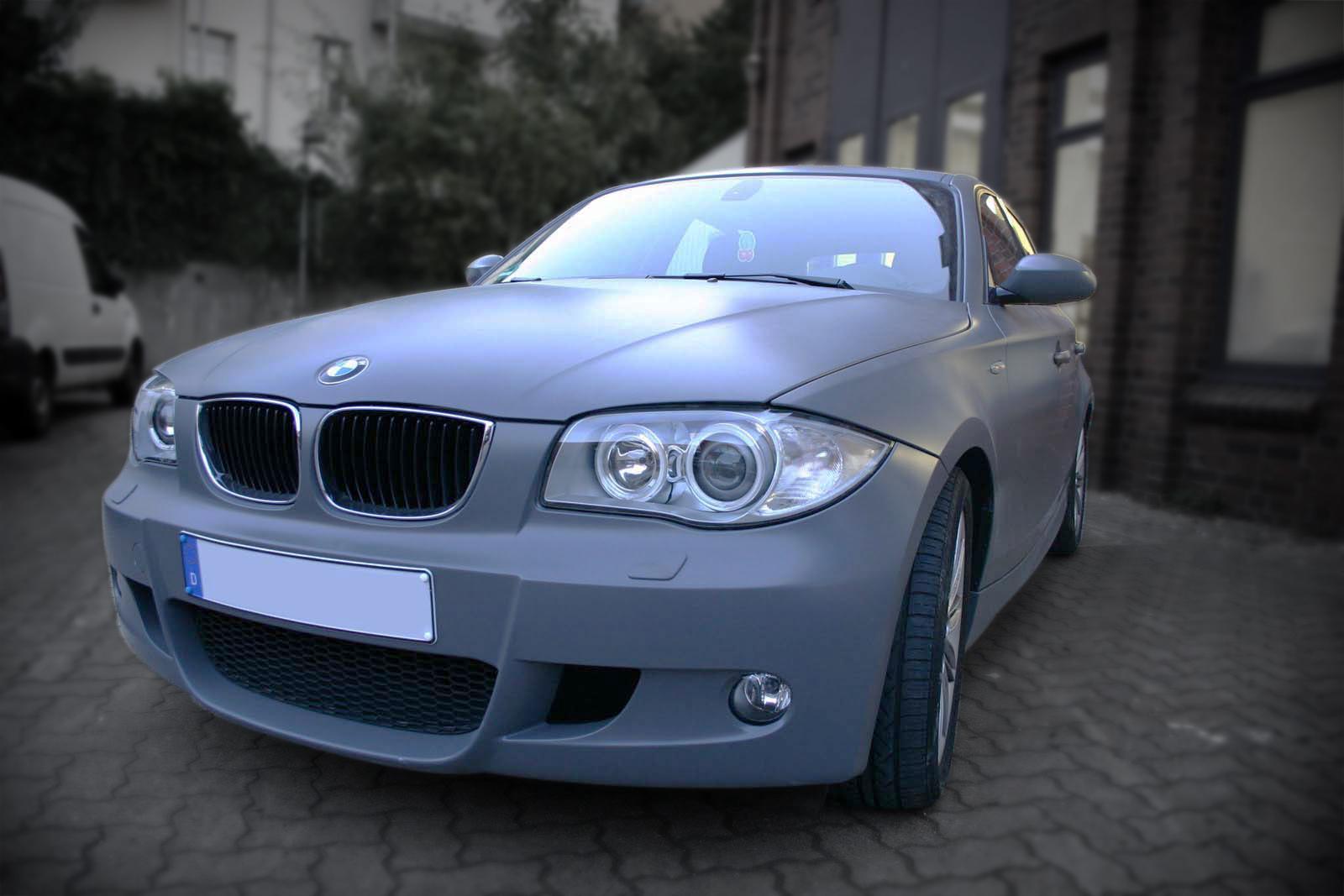 BMW_1er_GRAU_MATTE_FOLIE_BEKLEBT_Titelbild