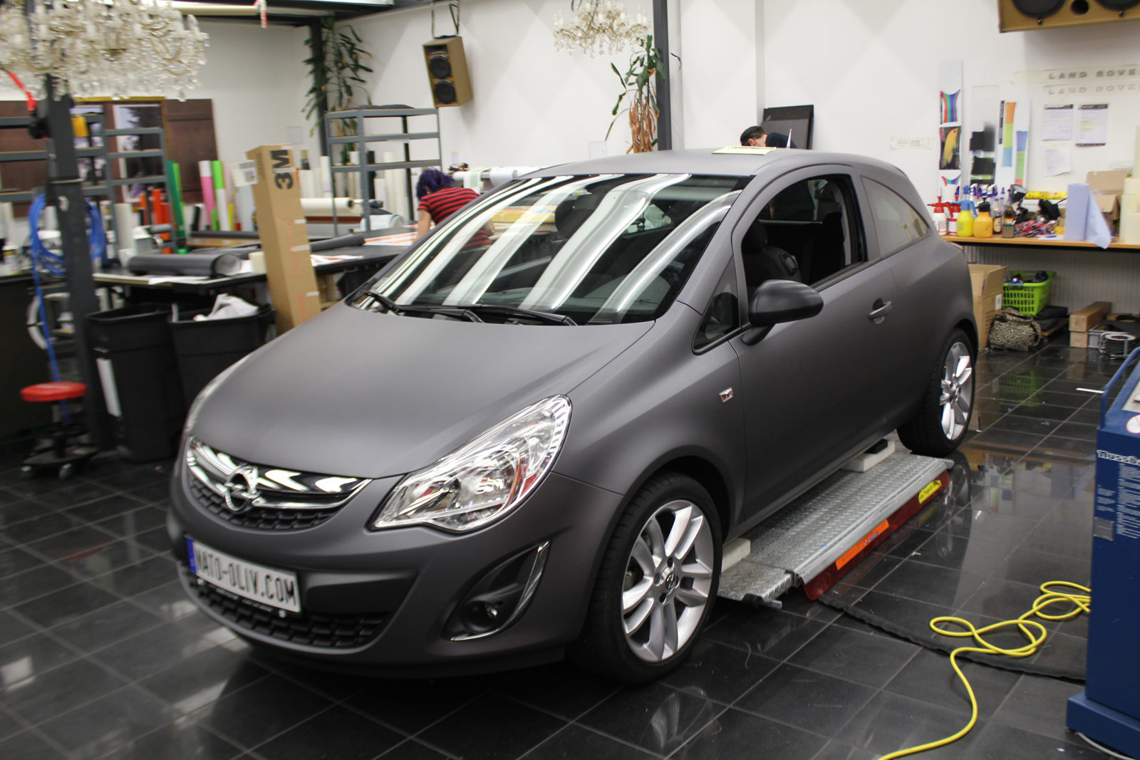 OPEL_CORSA_ANTHRAZIT_MATT_METALLIC_EXTRAS_CARBON_09