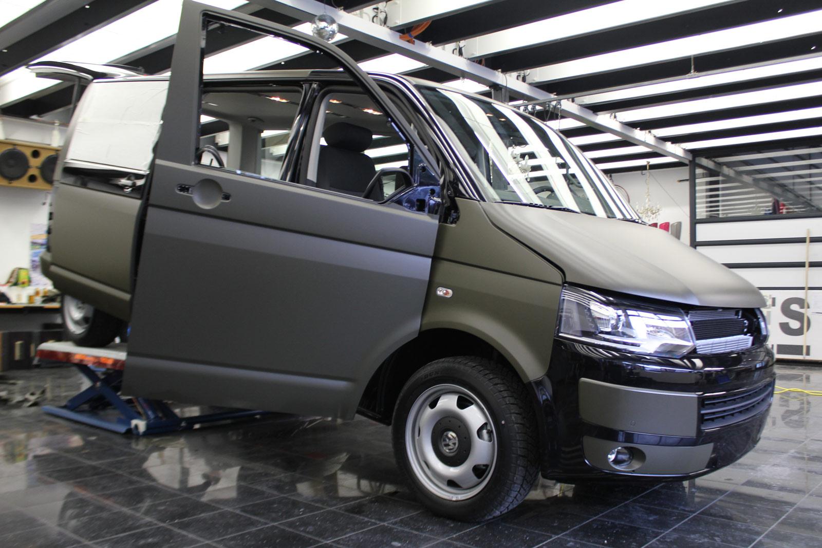 VW_T5_VOLLFOLIERUNG_NATO-OLIV_01
