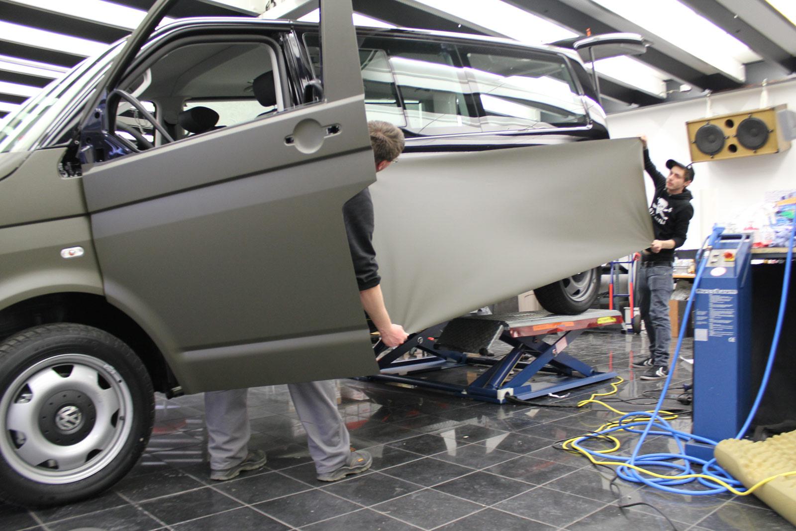 VW_T5_VOLLFOLIERUNG_NATO-OLIV_02