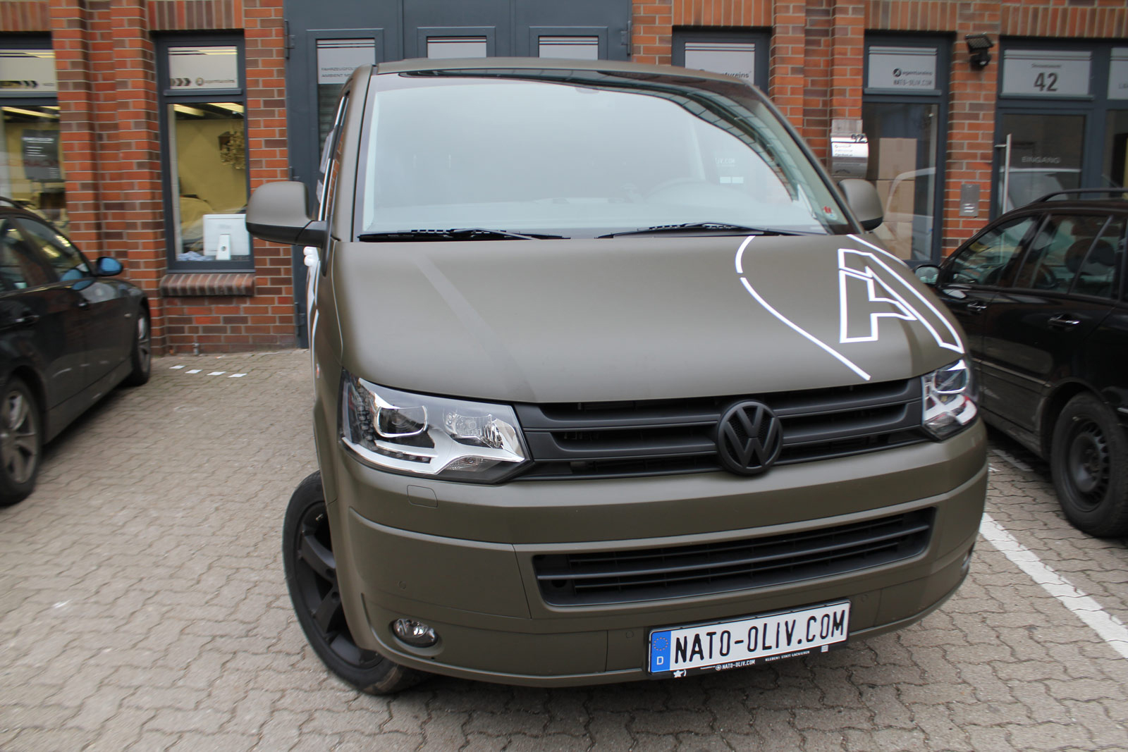 VW_T5_VOLLFOLIERUNG_NATO-OLIV_07