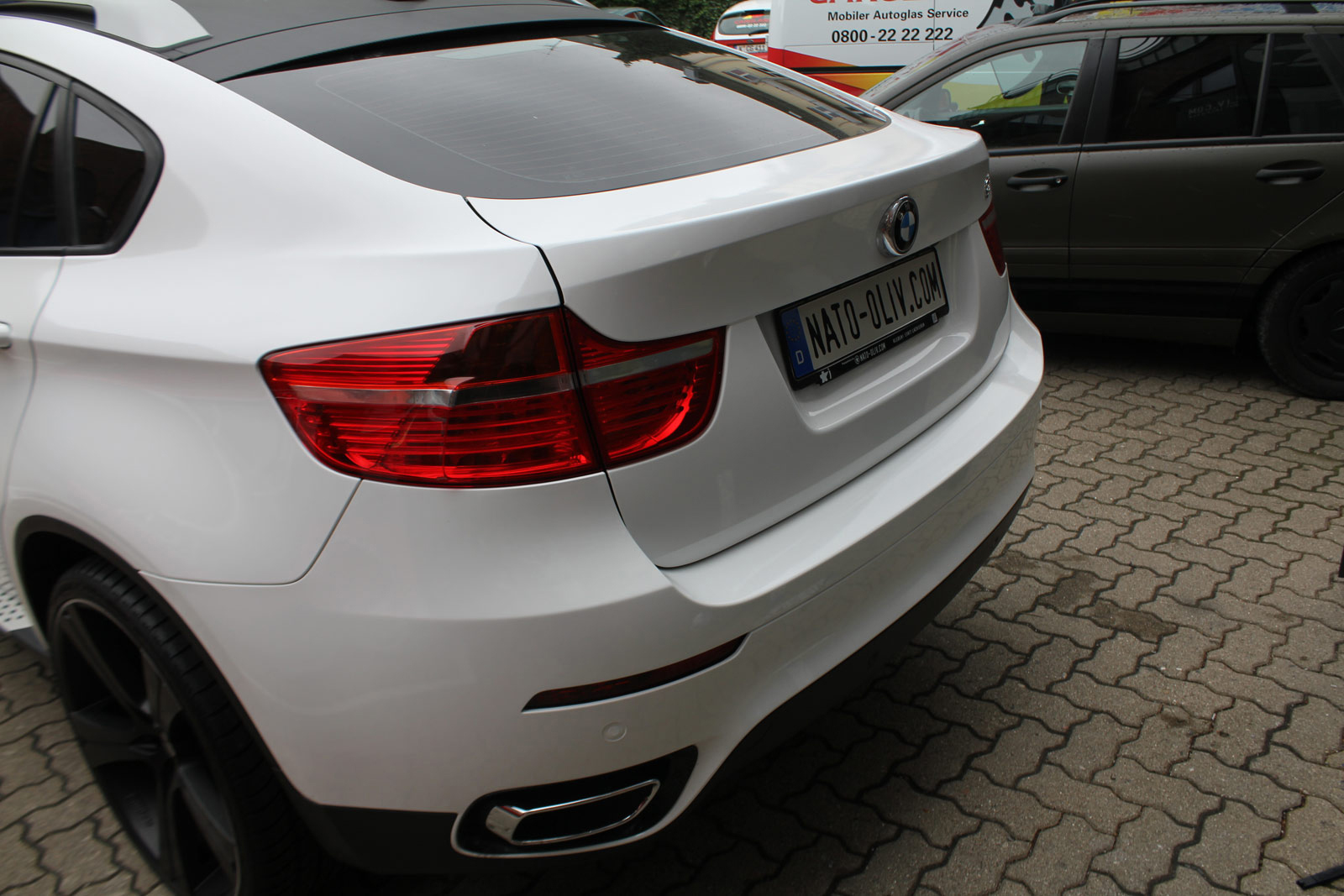 BMW_X6_FOLIERUNG_WEISS_GLANZ_PLUS_CARBON_05