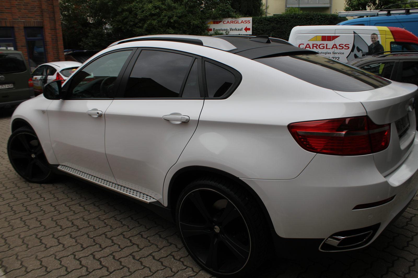 BMW_X6_FOLIERUNG_WEISS_GLANZ_PLUS_CARBON_06