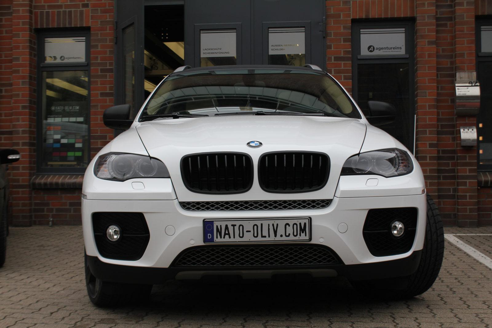 BMW_X6_FOLIERUNG_WEISS_GLANZ_PLUS_CARBON_08