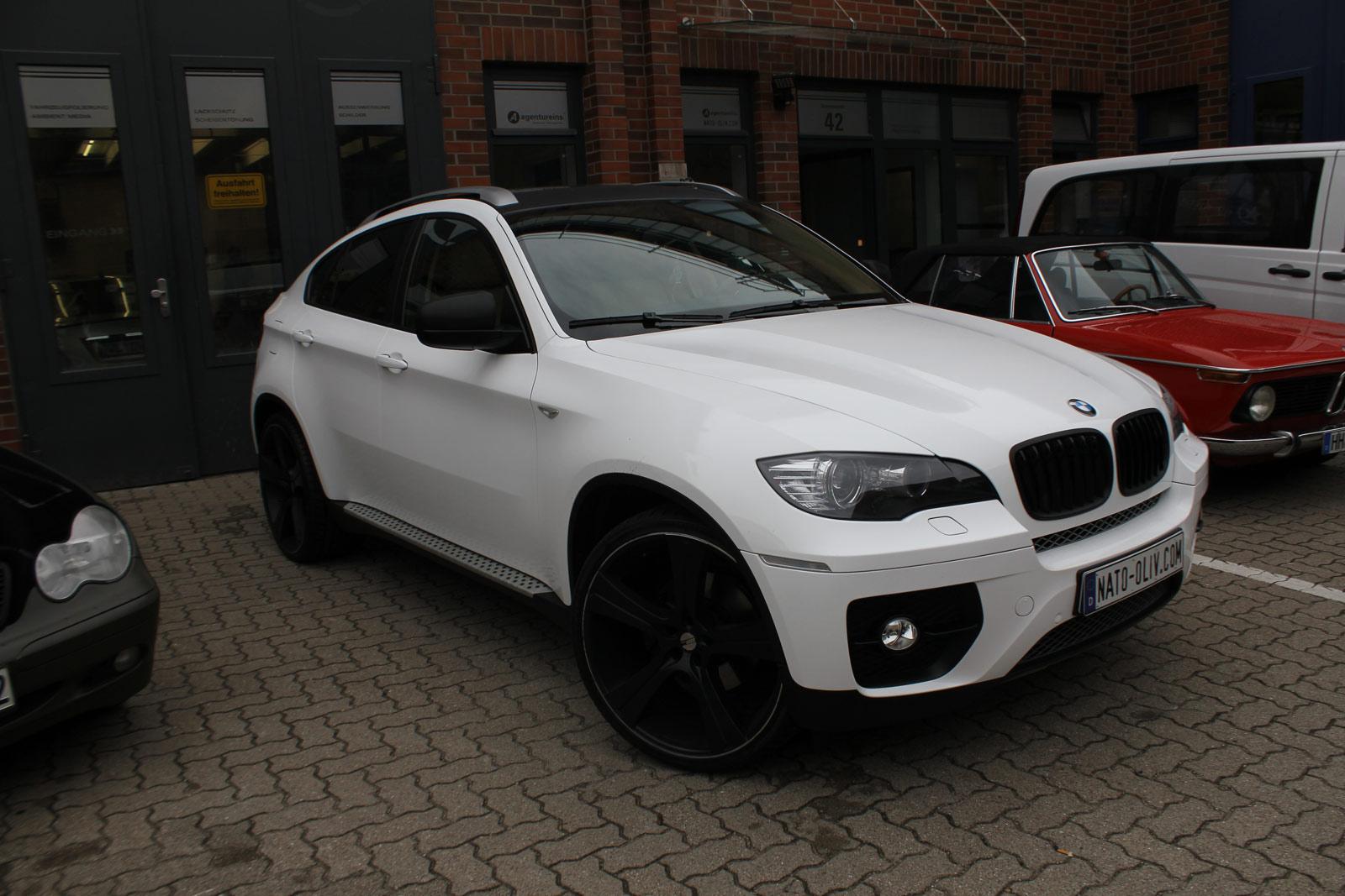 BMW_X6_FOLIERUNG_WEISS_GLANZ_PLUS_CARBON_11
