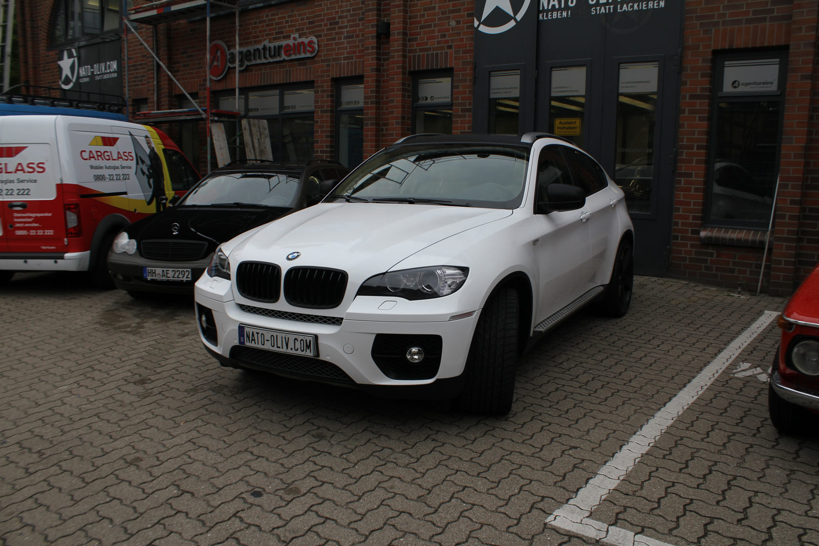BMW_X6_FOLIERUNG_WEISS_GLANZ_PLUS_CARBON_12